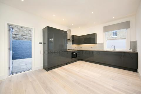 3 bedroom detached house for sale - Coningsby Road, Ealing, W5
