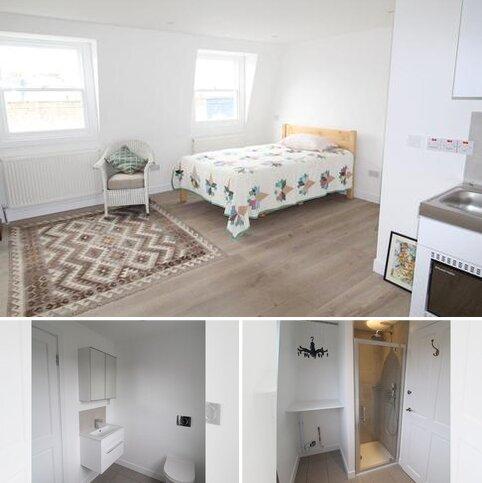 Studio to rent - Winston Road, Stoke Newington, London N16