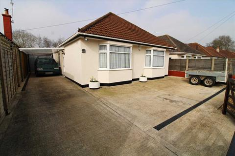 3 bedroom detached bungalow for sale - Home Road, Bournemouth