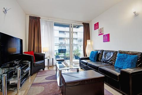 2 bedroom apartment to rent - Vantage Building, Station Approach, UB3