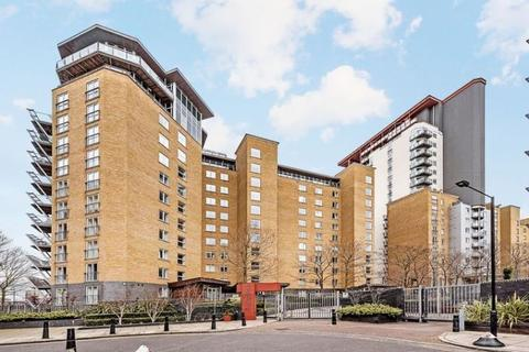 1 bedroom flat to rent - Hutchings Street London E14