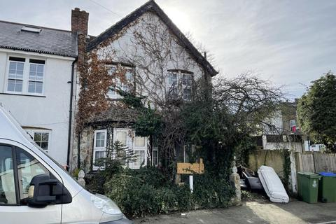 3 bedroom end of terrace house for sale - 8 Clifton Road, Sidcup, Kent
