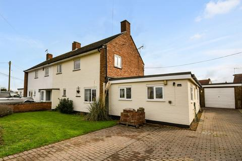 3 bedroom semi-detached house for sale - Hythe Road, Methwold
