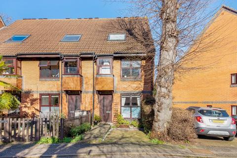 1 bedroom ground floor flat for sale - Grovelands Close, Camberwell, SE5