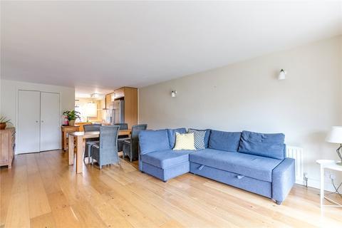3 bedroom flat for sale - Battersea Bridge Road, London