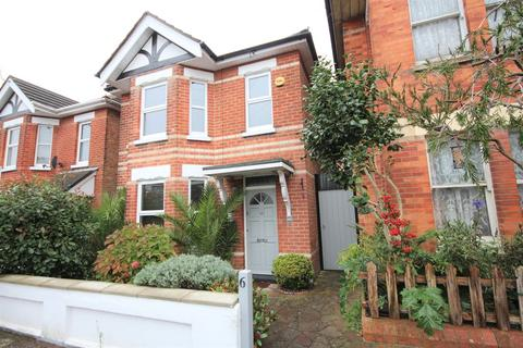2 bedroom detached house for sale - Benmore Road, Bournemouth