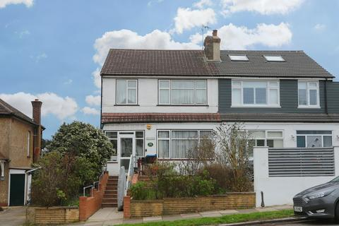 3 bedroom semi-detached house to rent - Avenue Road, Southgate, N14 4EE