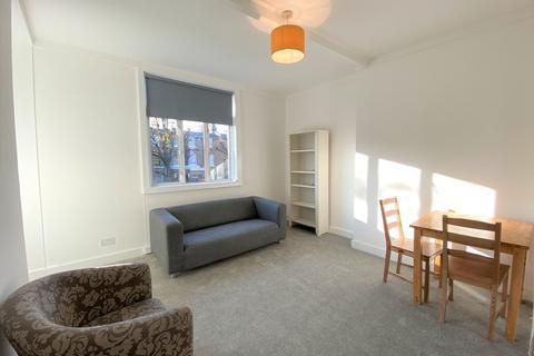 2 bedroom flat to rent - Coningham Road, Shepherds Bush, London