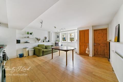 3 bedroom flat for sale - Reighton Road, Hackney, E5
