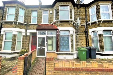 2 bedroom flat to rent - Two Bedroom First Floor Flat to Let - Goodall Road, Leytonstone E11 (£1,400pcm)