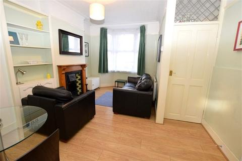 2 bedroom house to rent - White Road, Stratford