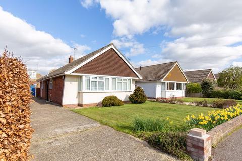 2 bedroom detached bungalow for sale - Woodlands Avenue, Emsworth