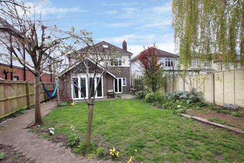4 bedroom detached house for sale - CHRISTCHURCH