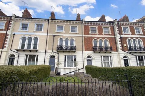 5 bedroom terraced house for sale - Langham Place, Northampton, NN2