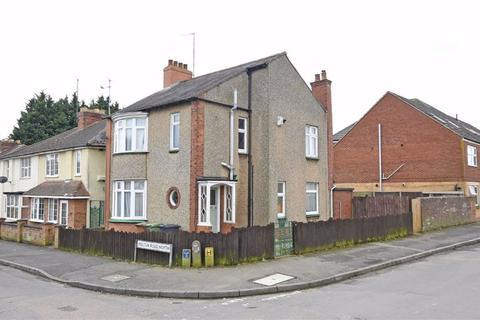 3 bedroom detached house for sale - Leys Road, Wellingborough