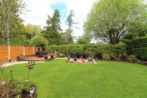 3 bedroom detached bungalow for sale - Grosvenor Drive, Poynton, Stockport, SK12