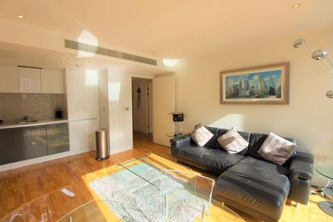 1 bedroom flat to rent - Landmark Tower West, South Quay