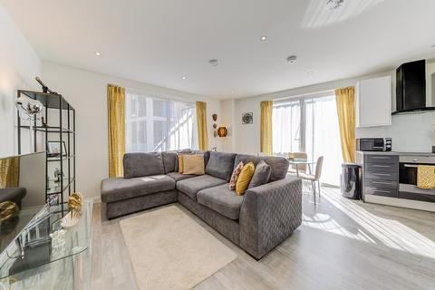 2 bedroom apartment to rent - Chandlers Avenue, London, SE10