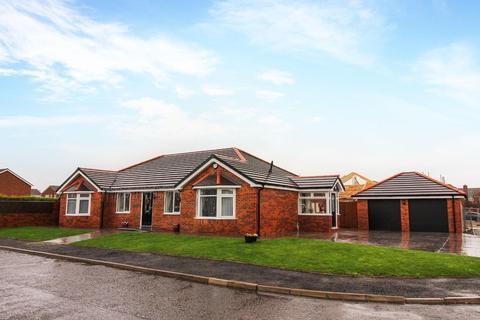 4 bedroom detached bungalow for sale - Windsor Drive, Blyth