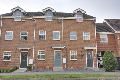 4 bedroom townhouse for sale - Elloughtonthorpe Way, Brough