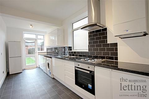 4 bedroom semi-detached house to rent - Weardale Gardens, Enfield, Middlesex, EN2