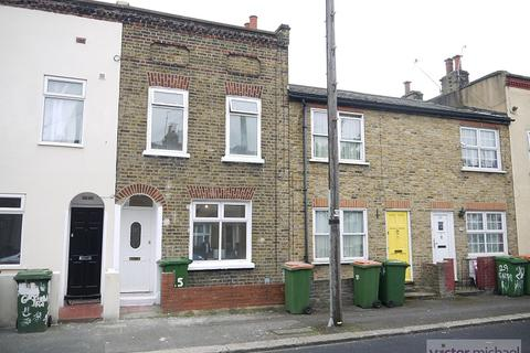 2 bedroom terraced house to rent - Garfield Road, London, Greater London. E13