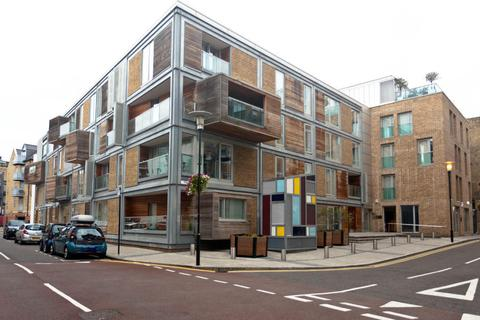 1 bedroom flat to rent - Meridian Court 7 East Lane, London, SE16