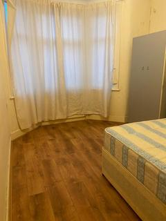 2 bedroom flat to rent - Hunter Road, Ilford, Essex, IG1