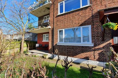 2 bedroom flat to rent - Nightingale Lane, London, Greater London. E11