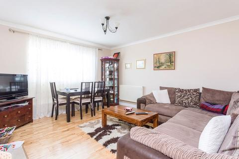 2 bedroom flat to rent - Villiers Close, Leyton, E10
