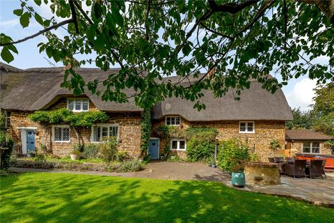 4 bedroom semi-detached house for sale - High Street, Byfield, Daventry, Northamptonshire, NN11