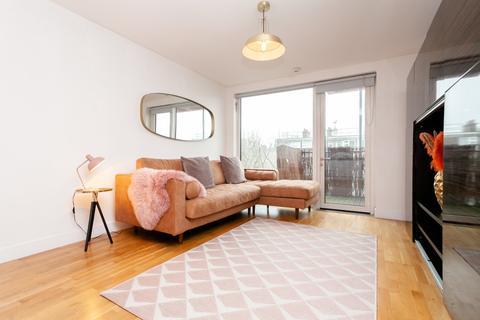 2 bedroom flat to rent - Adelaide Wharf, 120 Queensbridge Road, London, E2