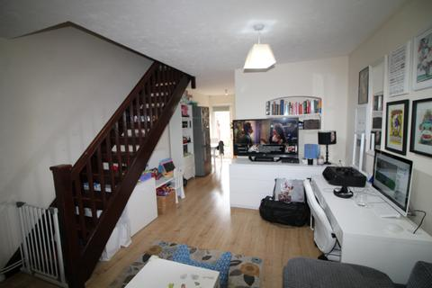 2 bedroom terraced house for sale - Rawsthorne Close, London, E16