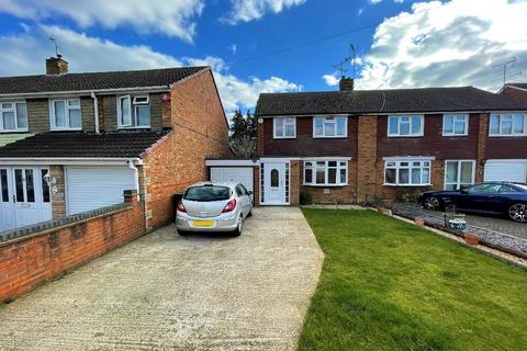 3 bedroom semi-detached house to rent - Weltmore Road, Limbury, Luton, LU3 2TN