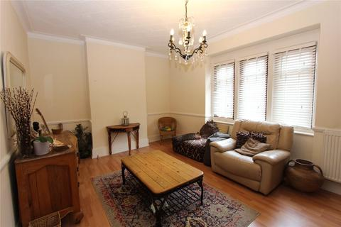 4 bedroom flat to rent - Green Lanes, Palmers Green, London, N13