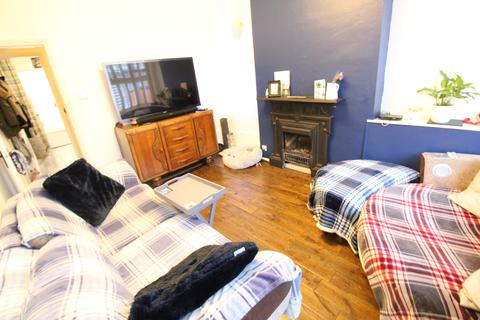 2 bedroom terraced house to rent - Waterlow Road