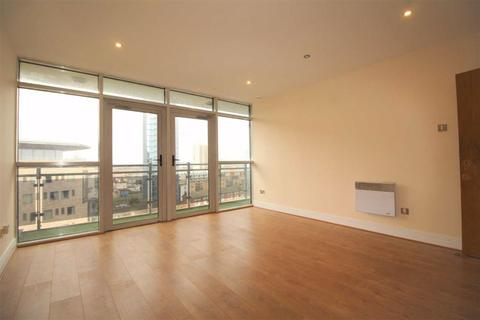 2 bedroom flat to rent - Gerry Raffles Square, Stratford, Greater London