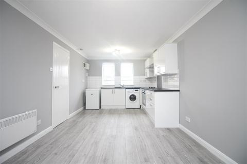 1 bedroom flat to rent - Hallywell Crescent, London