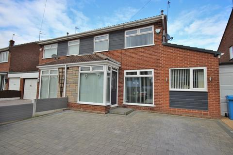 3 bedroom semi-detached house to rent - Oakfield Drive, Widnes, WA8