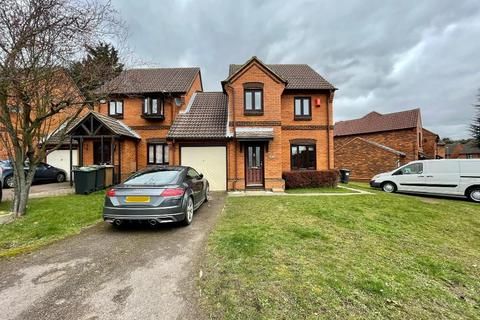 3 bedroom link detached house to rent - Gleneagles Drive, Bushmead, Luton, Bedfordshire, LU2 7TA
