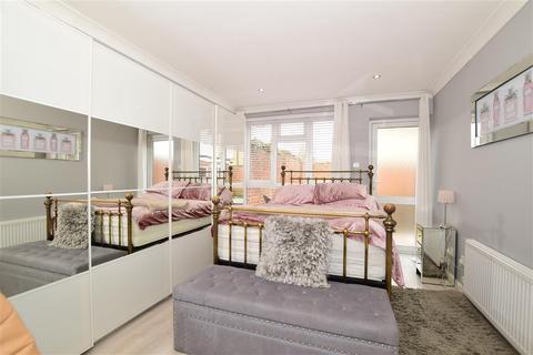 3 bedroom semi-detached bungalow for sale - Christchurch Avenue, Erith, Kent