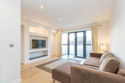 1 bedroom house share to rent - Tiller Road, Canary Wharf E14