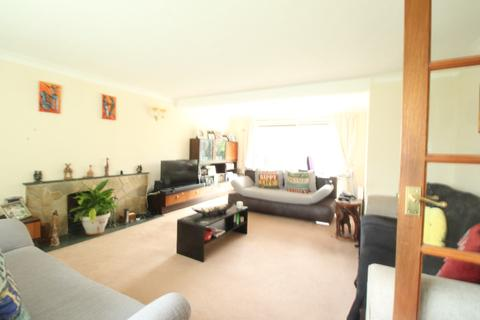 3 bedroom detached house to rent - Court Close, , Maidenhead, SL6 2DL