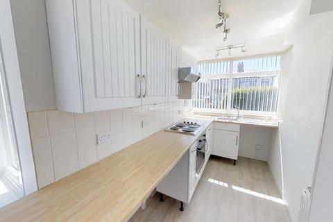 3 bedroom semi-detached house to rent - Washington Avenue, Blackpool FY2