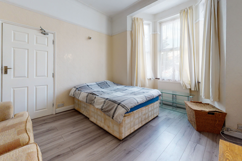 1 bedroom flat to rent - Endsleigh Gardens, Ilford IG1