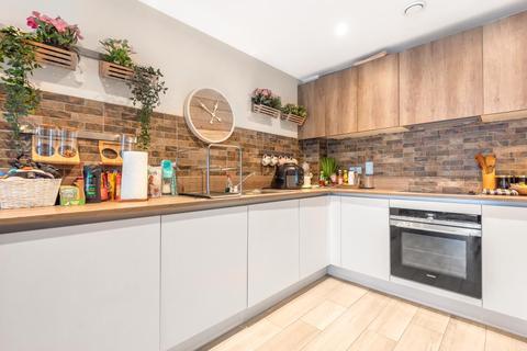 2 bedroom apartment to rent - Maidenhead,  Berkshire,  SL6