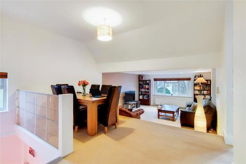 2 bedroom apartment for sale - Messaline Avenue, Acton, London, W3