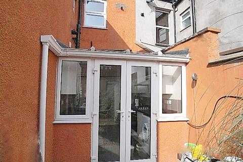 3 bedroom ground floor flat to rent - STUDENTS - NEW STATION ROAD, FISHPONDS