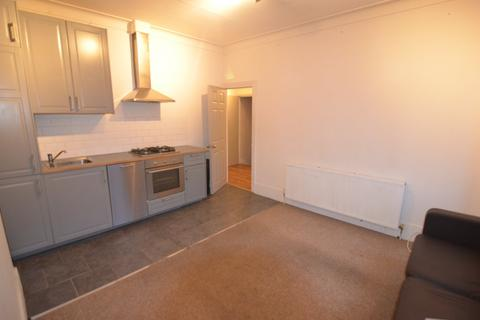 2 bedroom flat to rent - Clova Road, Forest Gate