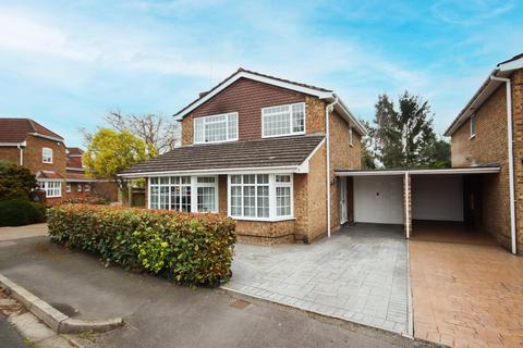 4 bedroom house for sale - Seymour Close, Maidenhead